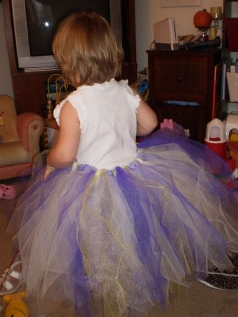 How to make a tutu: a no sew tutuorial