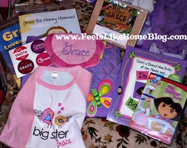 Best gift ideas for a new big sister or any older siblings - The best gifts to get for children when a new baby is born. Perfect for in the hospital or at home. Usually from moms or dads but could be from other kids or families. Awesome for toddlers and preschoolers. This DIY gift basket will make her feel special at the hospital and at home. Becoming a big sister is a huge occasion, and this post is full of awesome ideas for when your second or third child arrives.
