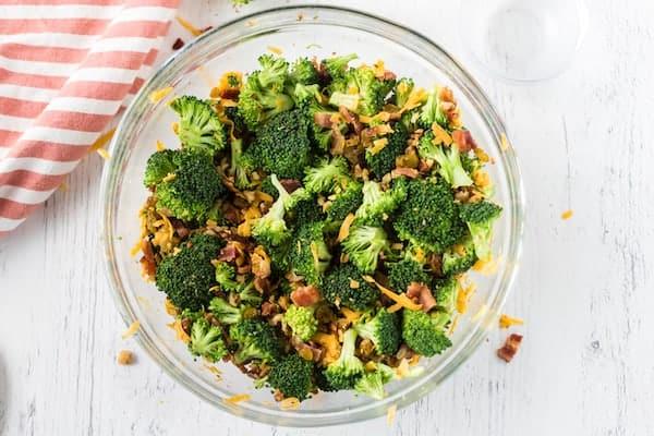 broccoli salad ingredients mixed up
