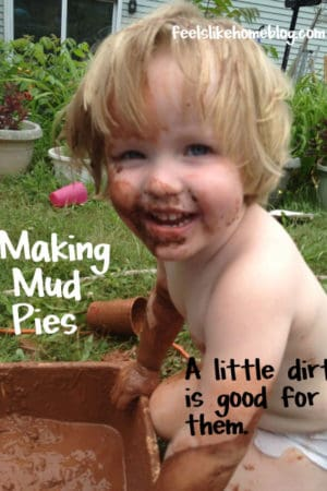 Making Mud Pies - Kids Sensory Play