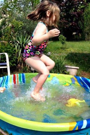 Grace splashing