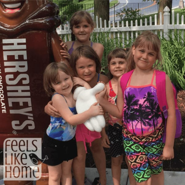 If you are traveling to Pennslyvania, you must stop in Hershey PA at Hersheypark amusement park! Tips to travel and have fun with kids and adults. Summer is the best time to visit, but spring and fall are still nice! Great family vacations. Don't miss these insider tips!