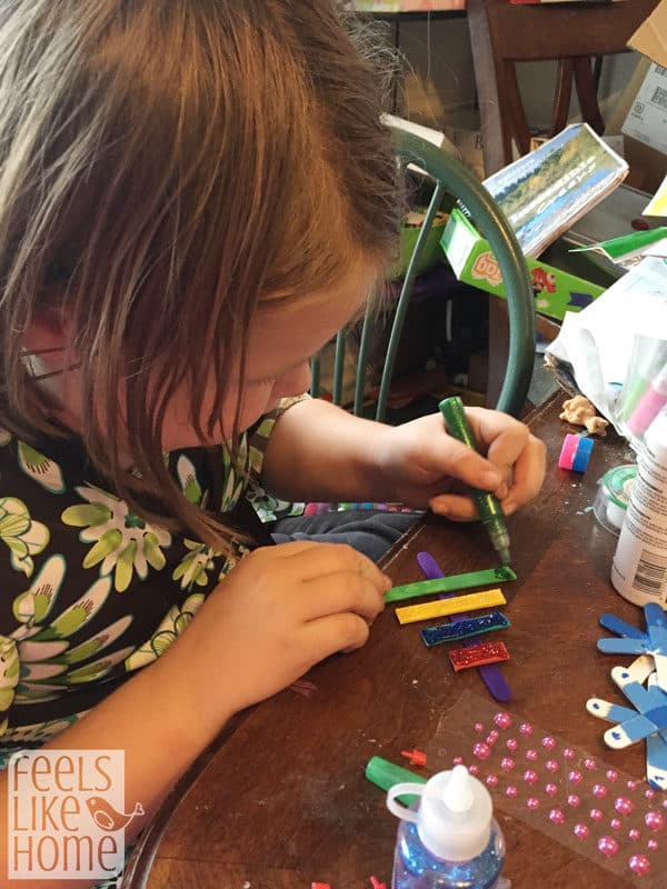 christmas-tree-crafts-for-preschoolers-popsicle-sticks-decorate