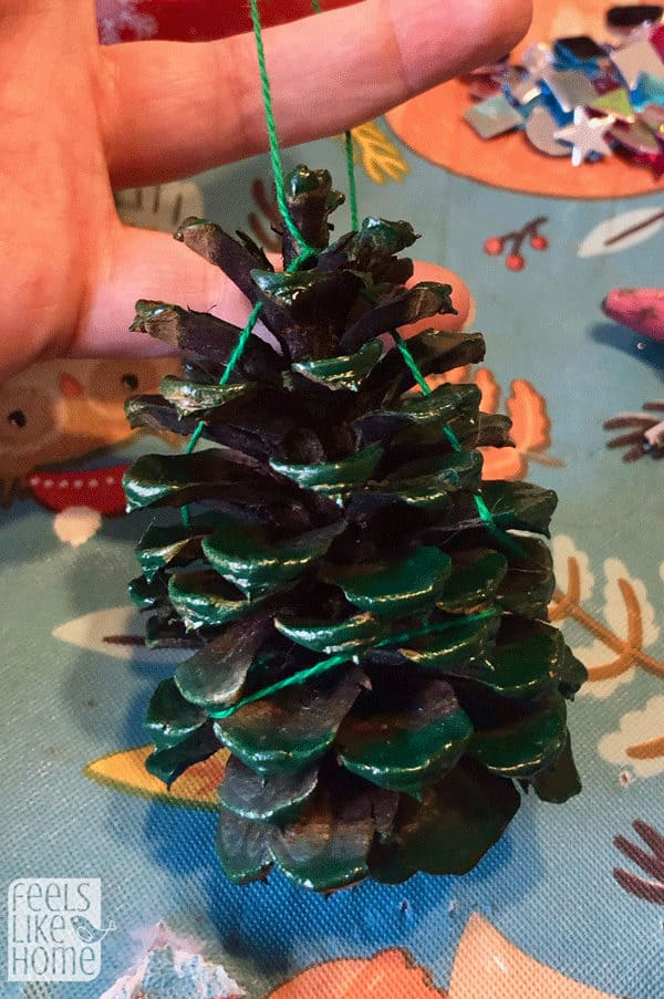 Pine Cone Christmas Tree Craft.Easy Pine Cone Christmas Tree Ornament Craft For Kids
